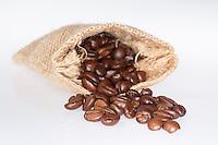 Kaffee, geröstete Kaffeebohnen, Kaffeebohne, Kaffee-Bohnen, Kaffee-Bohne, Arabischer Kaffeestrauch, Kaffee-Strauch, Frucht, Früchte, Arabica-Kaffee, Bergkaffee, Coffea arabica, Coffee, roasted coffee beans, coffee bean, Cafe