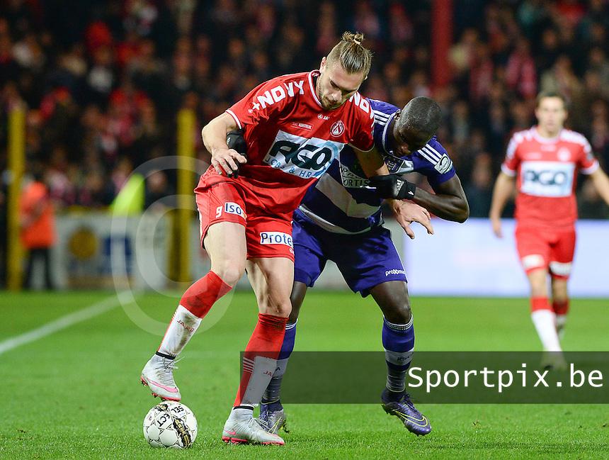 KV Kortrijk - RSC Anderlecht : Kara Mbodj (r) en Thanasis Papazoglou (l) <br /> Foto David Catry / Sportpix.be