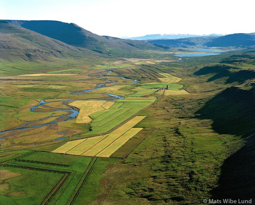 Svarfhóll séð til norðausturs, Hvalfjarðarstrandarhreppur /  Svarfholl viewing northeast, Hvalfjardarstrandarhreppur.   New name of the territory:  Hvalfjarðarsveit / Hvalfjardarsveit