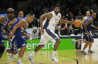 Gaints import Darryl Dora drives up the court. NBL Semifinal - Wellington Saints v Nelson Giants at TSB Bank Arena, Wellington, New Zealand on Friday, 15 July 2011. Photo: Dave Lintott / lintottphoto.co.nz