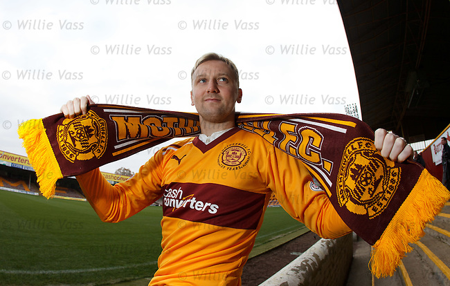 Stephen Hughes rejoins Motherwell on a short term deal
