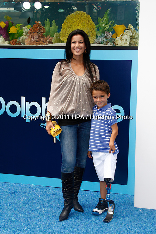 LOS ANGELES - SEP 17:  Bahar Soomekh; son Ezra arrives at the Warner Bros.' World Premiere of 'Dolphin Tale'  at The Regency Village Theater on September 17, 2011 in Westwood, CA
