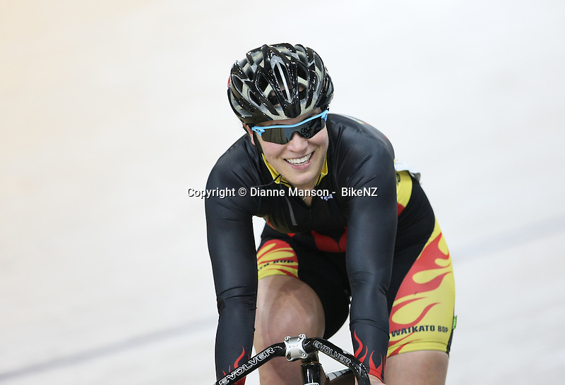 Waikato Bop's Tess Young at the Avanti BikeNZ Classic, Avantidrome, Cambridge, New Zealand, Thursday, September 18, 2014, Credit: Dianne Manson/BikeNZ