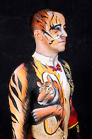 Circus bodypainting and photoshooting with model Stefan as ringmaster / tiger in the Studio Düsterwald. Hamelin-Holtensen, on February 7, 2015 - Body Paint Artist: Jörg Düsterwald