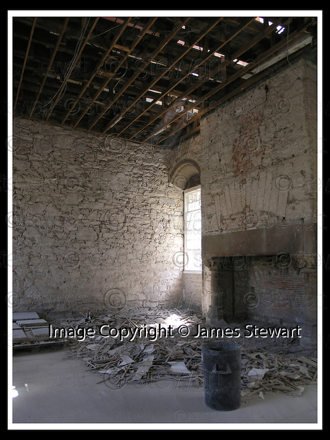 10/06/2008   Collect Pic: James Stewart.File Name : sct_18_stirling.A recent picture of the King's Outer Hall during conservation..James Stewart Photo Agency 19 Carronlea Drive, Falkirk. FK2 8DN      Vat Reg No. 607 6932 25.Studio      : +44 (0)1324 611191 .Mobile      : +44 (0)7721 416997.E-mail  :  jim@jspa.co.uk.If you require further information then contact Jim Stewart on any of the numbers above........