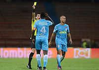 MEDELLÍN -COLOMBIA, 07-03-2018: Andres Rojas, árbitro, muestra la tarjeta amarilla a Ramon Cordoba de Jaguares durante el encuentro entre Atlético Nacional y Jaguares de Córdoba FC por la fecha 7 de la Liga Águila I 2018 jugado en el estadio Atanasio Girardot de la ciudad de Medellín. / Andres Rojas, referee, shows the yellow card to Ramon Cordoba of Jaguares during the match between Atletico Nacional and Jaguares de Cordoba FC for the date 7 of the Aguila League I 2018 at Atanasio Girardot stadium in Medellin city. Photo: VizzorImage/ León Monsalve /Cont