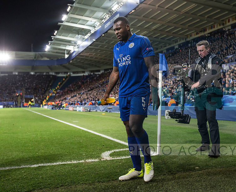 Leicester's Wes Morgan goes off injured during the Champions League Quarter-Final 2nd leg match at the King Power Stadium, Leicester. Picture date: April 18th, 2017. Pic credit should read: David Klein/Sportimage