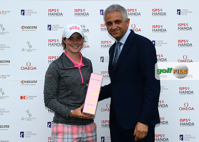 Amateur Leona Maguire of Ireland receives a Prize for her Second Place finish following the Final Round of The ISPS Handa Ladies European Masters at The Buckinghamshire Golf Club, Denham, England. Picture: Golffile | Richard Martin-Roberts<br /> All photo usage must carry mandatory copyright credit (&copy; Golffile | Richard Martin- Roberts)