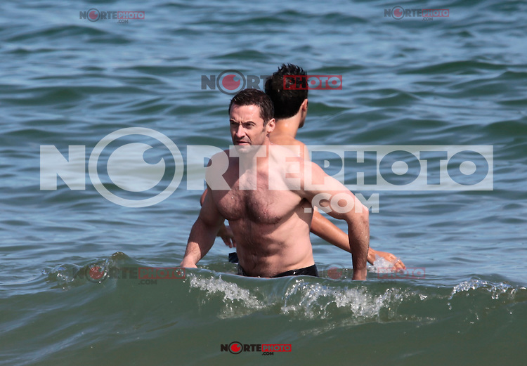MRPIXX.COM - 20JUNE12.BARCELONA, SPAIN.NON EXCLUSIVE!.HUGH JACKMAN FAMILY IN BARCELONA BEACHES .NON EXCLUSIVE BY MRPIXX.COM ..NO  RIGHTS SPAIN !