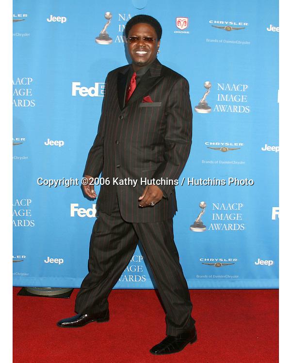 Bernie Mac.37th NAACP Image Awards.Shrine Auditorium.Los Angeles, CA.February 25, 2006.©2006 Kathy Hutchins / Hutchins Photo....                 V