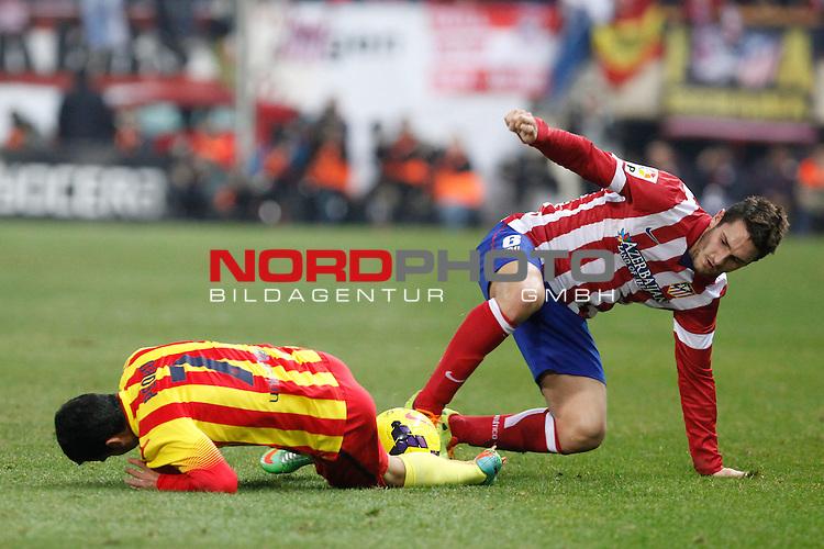 Atletico de Madrid¬¥s Koke (R) and Barcelona¬¥s Pedro Rodriguez during La Liga match at Vicente Calderon stadium in Madrid, Spain. January 11, 2014. Foto © nph / Victor Blanco)