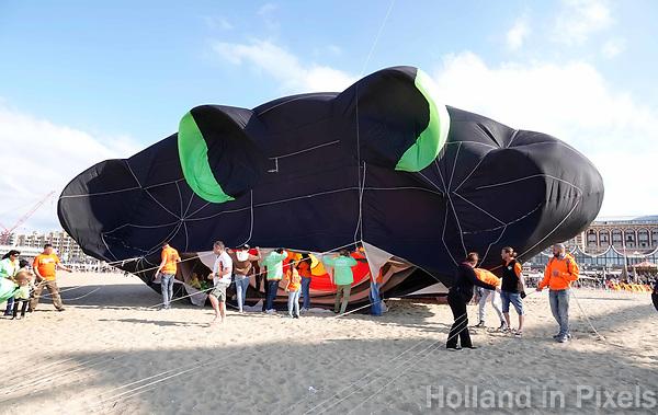 Nederland  Scheveningen. September 2018. Vliegerfestival op het strand. De kop van de Trilobite, de grootste vlieger van Europa.    Foto Berlinda van Dam / Hollandse Hoogte