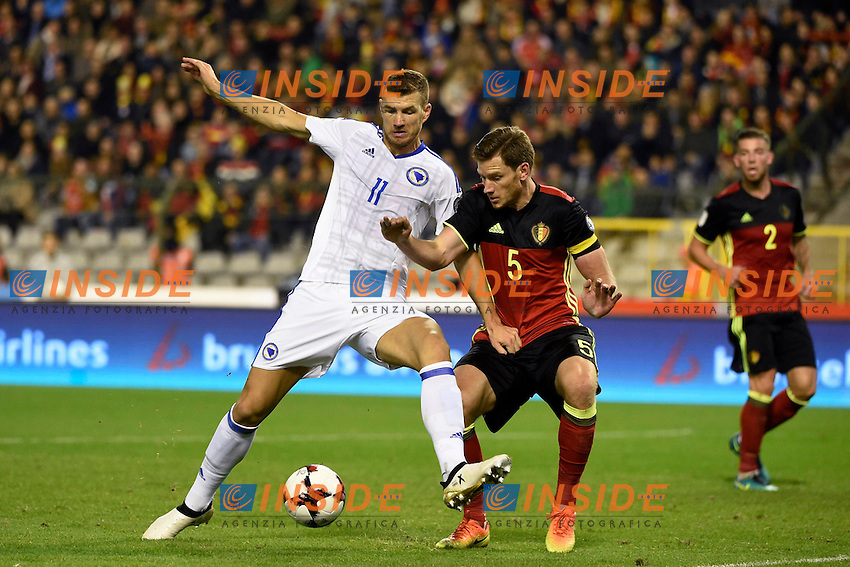 BRUSSELS, BELGIUM - OCTOBER 7:  Edin Dzeko of Bosnia Herzegovina and Jan Vertonghen defender of Belgium  during the World Cup Qualifier Group H match between Belgium and Bosnia and Herzegovina at the King Baudouin Stadium on October 07, 2016 in Brussels, Belgium, 7/10/2016  <br /> Bruxelles 07-10-2016 Calcio Qualificazioni Mondiali <br /> Belgio Bosnia <br /> Foto Photonews/Panoramic/Insidefoto <br /> ITALY ONLY