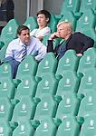 27.06.2020, Fussball: nph00001 1. Bundesliga 2019/2020, 34. Spieltag, VfL Wolfsburg - FC Bayern Muenchen, in der Volkswagen-Arena Wolfsburg. (L-R) GeschŠftsfŸhrung der DFL ist Seifert und Vorstandsmitglied Oliver Kahn (Bayern MŸnchen) im GesprŠch<br /><br />Foto: Bernd Feil/M.i.S./ /Pool/nordphoto<br /><br />Nur fŸr journalistische Zwecke! Only for editorial use! <br /><br />GemŠ§ den Vorgaben der DFL Deutsche Fussball: nph00001 Liga ist es untersagt, in dem Stadion und/oder vom Spiel angefertigte Fotoaufnahmen in Form von Sequenzbildern und/oder videoŠhnlichen Fotostrecken zu verwerten bzw. verwerten zu lassen. DFL regulations prohibit any use of photographs as image sequences and/or quasi-video.    <br /><br />National and international NewsAgencies OUT.
