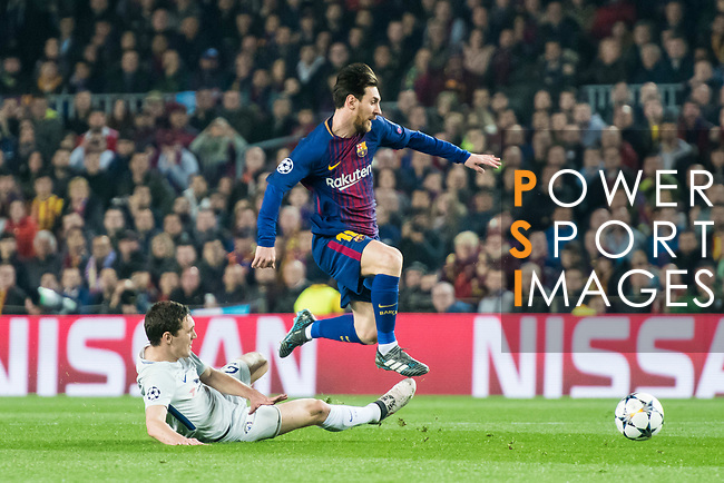 Lionel Andres Messi (R) of FC Barcelona fights for the ball with Andreas Christensen of Chelsea FC during the UEFA Champions League 2017-18 Round of 16 (2nd leg) match between FC Barcelona and Chelsea FC at Camp Nou on 14 March 2018 in Barcelona, Spain. Photo by Vicens Gimenez / Power Sport Images