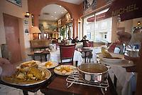 """Europe/France/Provence-Alpes-Côte d'Azur/13/Bouches-du-Rhône/Marseille:Restaurant  Michel """"Brasserie des Catalans"""" Service de la Bouillabaisse"""