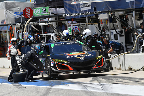 IMSA WeatherTech SportsCar Championship<br /> Advance Auto Parts SportsCar Showdown<br /> Circuit of The Americas, Austin, TX USA<br /> Saturday 6 May 2017<br /> 86, Acura, Acura NSX, GTD, Oswaldo Negri Jr., Jeff Segal - Pit Stop<br /> World Copyright: Richard Dole<br /> LAT Images<br /> ref: Digital Image RD_COTA_17281