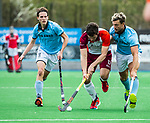 ALMERE - Hockey - Hoofdklasse competitie heren. ALMERE-HGC (0-1) . Stijn Jolie (Almere) tussen Nicholas Budgeon (HGC) en Pelle Vos (HGC)    COPYRIGHT KOEN SUYK