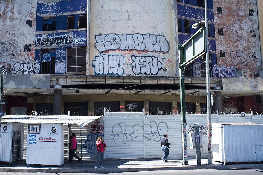 Abandoned cinema, San Cosme. Street shots Mexico City