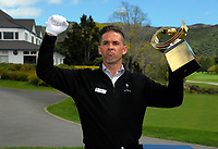 Dylan Lindstrom celebrates his victory against all odds. 2017 Asia-Pacific Amateur Championship Media and Partner Golf Day at Royal Wellington Golf Club in Wellington, New Zealand on Monday, 16 October 2017. Photo: Dave Lintott / lintottphoto.co.nz