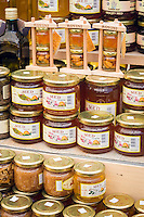 Croatia, Istria, Rovinj - Perl of Istria: local specialities - honey | Kroatien, Istrien, Rovinj - die Perle Istriens: lokale Spezialitaeten - Honig