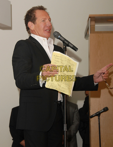 "GARRY SHANDLING.attends The Larry Sanders Show Wrap Party and DVD Launch Party for ""Not Just the Best of Larry Sanders Show DVD"" held at The Regent Beverly Wilshire in Beverly Hills, California, USA,  April 10th 2007..half length microphone speech.CAP/DVS.©Debbie VanStory/Capital Pictures"