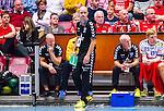 Eskilstuna 2014-10-03 Handboll Elitserien Eskilstuna Guif - Alings&aring;s HK :  <br /> Sk&ouml;vdes tr&auml;nare Peter Johansson ser fundersam ut vid Sk&ouml;vdes avbytarb&auml;nk under matchen <br /> (Foto: Kenta J&ouml;nsson) Nyckelord:  Eskilstuna Guif Sporthallen IFK Sk&ouml;vde HK tr&auml;nare manager coach depp besviken besvikelse sorg ledsen deppig nedst&auml;md uppgiven sad disappointment disappointed dejected fundersam fundera t&auml;nka analysera