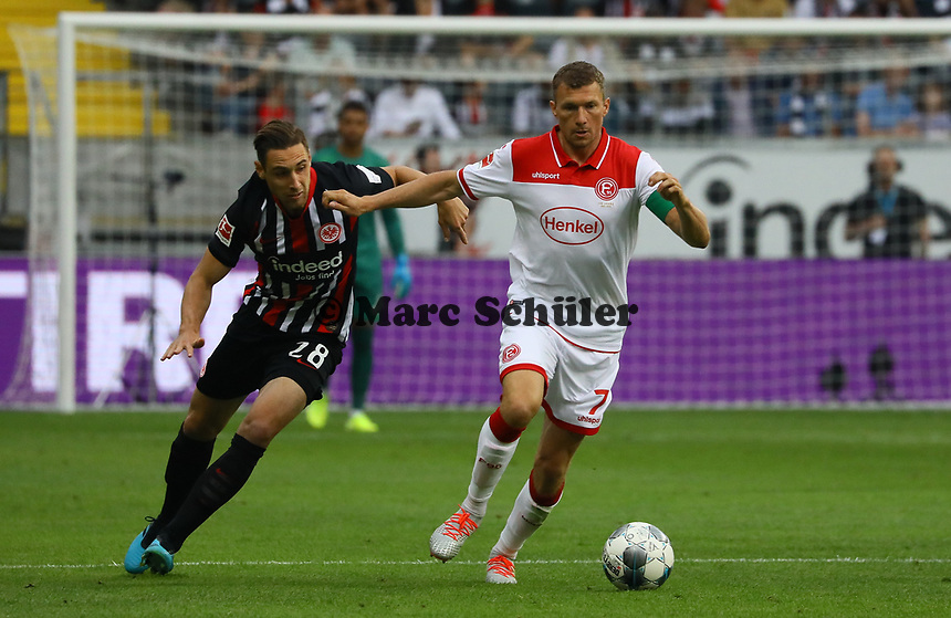 Oliver Fink (Fortuna Düsseldorf) gegen  Dominik Kohr (Eintracht Frankfurt) - 01.09.2019: Eintracht Frankfurt vs. Fortuna Düsseldorf, Commerzbank Arena, 3. Spieltag<br /> DISCLAIMER: DFL regulations prohibit any use of photographs as image sequences and/or quasi-video.