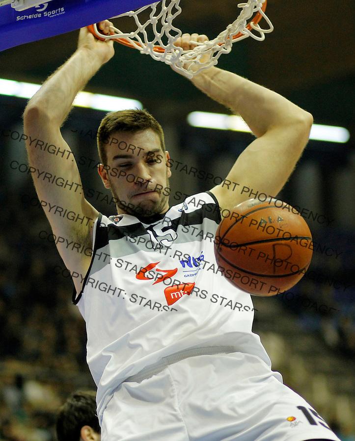 Dejan Musli ABA liga, Partizan - MZT Skoplje Januar 26, 2014. in Belgrade, Serbia (credit image & photo: Pedja Milosavljevic / STARSPORT / +318 64 1260 959 / thepedja@gmail.com)