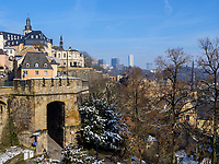 Altstadt, Grund und Europazentrum auf dem Kirchberg, Luxemburg-City, Luxemburg, Europa, UNESCO-Weltkulturerbe<br /> Hictoric city, Grand and European center, Luxembourg City, Europe, UNESCO Heritage