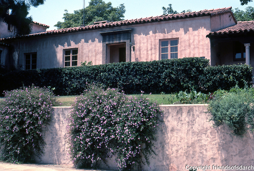 San Diego: Low House (Brant St. side), Mission Hills. Wm. Templeton Johnson. Classic Med., 1929.