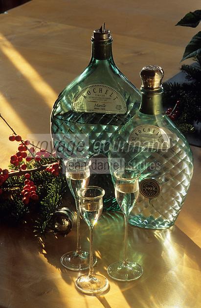 Europe/Autriche/Tyrol/Fritzens: Distillerie de schnaps Rochelt - Bouteilles de schnaps