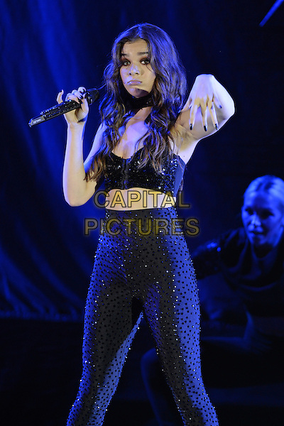 MIAMI FL - SEPTEMBER 16: Hailee Steinfeld performs at Bayfront Park Amphitheater on September 16, 2016 in Miami, Florida. <br /> CAP/MPI04<br /> &copy;MPI04/Capital Pictures