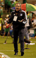 PALMIRA -COLOMBIA-01-03-2015. Ricardo Lunari de Millonarios gesticula durante partido con Deportivo Cali por la fecha 7 de la Liga Aguila I 2015 jugado en el estadio Palmaseca de la ciudad de Palmira./  Ricardo Lunari coach of Millonarios gestures during match against Deportivo Cali for the 7th date of Aguila League I 2015 played at Palmaseca stadium in Palmira city Photo: VizzorImage/ Juan C. Quintero /STR  Photo: VizzorImage/Juan C. Quintero/STR