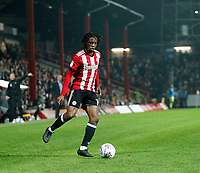 Romaine Sawyers of Brentford on the ball during the Sky Bet Championship match between Brentford and Derby County at Griffin Park, London, England on 26 September 2017. Photo by Carlton Myrie / PRiME Media Images.