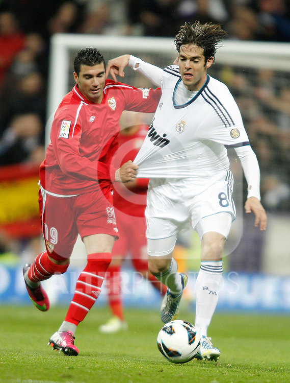 Real Madrid's Kaka against Sevilla's Jose Antonio Reyes during La Liga Match. February 09, 2013. (ALTERPHOTOS/Alvaro Hernandez)