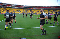 The Kiwis warm up before the 2017 Rugby League World Cup quarterfinal match between New Zealand Kiwis and Fiji at Wellington Regional Stadium in Wellington, New Zealand on Saturday, 18 November 2017. Photo: Dave Lintott / lintottphoto.co.nz