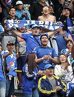 BOGOTA - COLOMBIA -21 - 02 - 2016: Hinchas de Millonarios animan a su equipo durante partido de la fecha 5 entre Millonarios y Jaguares FC, de la Liga Aguila I-2016, jugado en el estadio Nemesio Camacho El Campin de la ciudad de Bogota.  / Fans of Millonarios cheer for their team during a match between Millonarios and Jaguares FC, for the 5 date of the Liga Aguila I-2016 at the Nemesio Camacho El Campin Stadium in Bogota city, Photo: VizzorImage / Luis Ramirez / Staff.