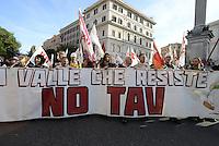 Roma, 19 Ottobre 2013<br /> Corteo contro l'austerità e la precarietà<br /> Lo striscione No TAV della Val Di Susa