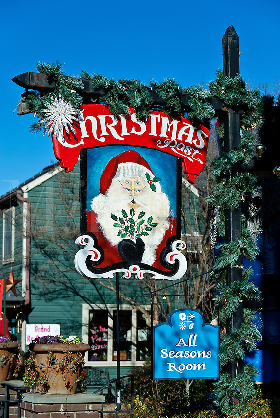Christmas shop, New Hope, Pennsylvania, USA