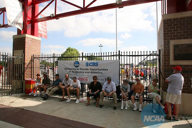 23 JUNE 2007:   Oregon State University takes on the University of North Carolina during the Division I Men's Baseball Championship held at Rosenblatt Stadium in Omaha, NE.  Jamie Schwaberow/NCAA Photos