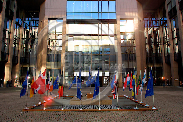 BRUSSELS - BELGIUM - 17 FEB. 2003 -- Memberflags of the European Union outside the yard of The EU Council building. -- PHOTO: EUP-IMAGES.COM / ERIK LUNTANG.