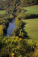Europe/France/Auvergne/63/Puy-de-Dôme/Vallée de la Sioule: La vallée vue depuis le chateau Rocher