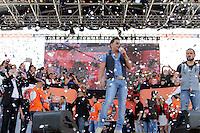 SAO PAULO, SP, 01.05.2015 - DIA - TRABALHO -  Zezé Di Camargo e Luciano durante apresentação em evento promovido pela Força Sindical para celebrar o Dia do Trabalho na Praça Campo de Bagatelle, em Santana, região norte de São Paulo, nesta sexta-feira, 01. (Foto: Fernando Neves/ Brazil Photo Press).