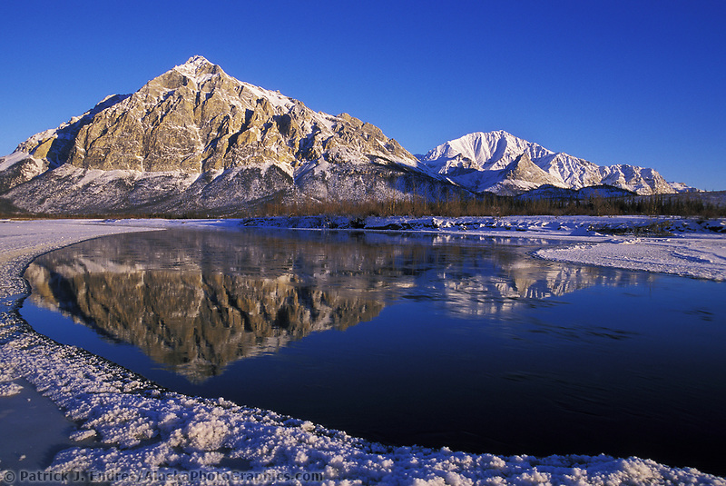 Mount Dillon of the Brooks Range, Koyukuk River at freeze up, Arctic, Alaska