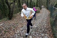 Escursionisti sul sentiero per San Fruttuoso.<br /> Hikers make their way along the path to San Fruttuoso.<br /> UPDATE IMAGES PRESS/Riccardo De Luca