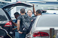 RIO DE JANEIRO,RJ, 08.11.2018 - POLICIA FEDERAL - Chiquinho da Mangueira (PSC) , chega à sede da Policia Federal e o Ministério Público, que realizam a Operação Furna da Onça, que investiga a participação de deputados estaduais do Janeiro em esquemas de corrupção iniciados no governo do Cabral, na manhã desta quinta-feira, 08  (Foto: Vanessa Ataliba/Brazil Photo Press)