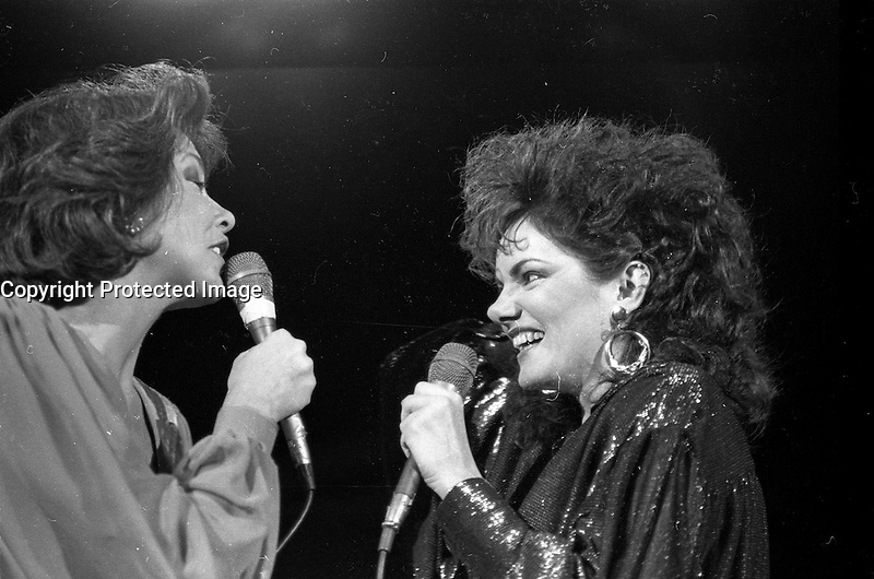 Nicole Martin perform on canada Day<br /> , July 1st 1986