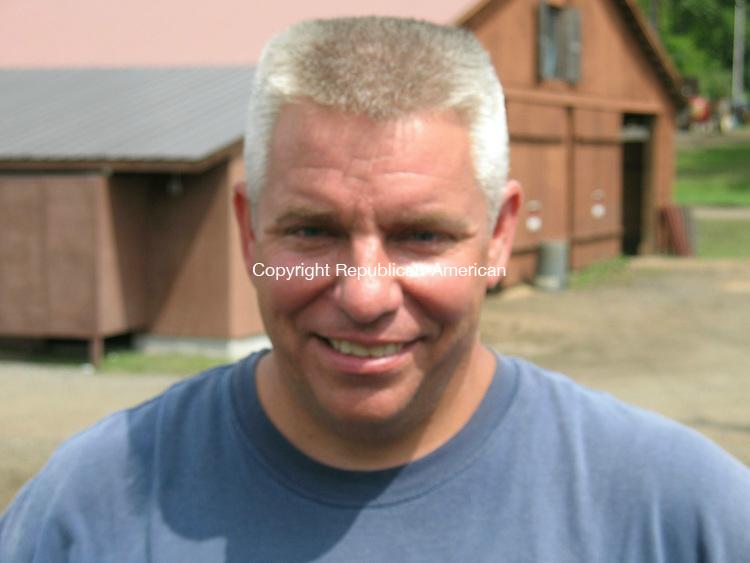 BRIDGEWATER, CT - 24 August 2009 - 082409RH01 - Selectman Neil Cable