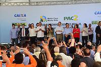 RIO DE JANEIRO , 09 DE ABRIL DE 2015 PROGRAMA MINHA CASA MINHA VIDA PAC - a presidente Dilma junto ao governador do rio Luiz Fernando Pezão em duque de caxias baixada do rio de janeiro entrega cerca de 500 casas nesta quinta 09 (foto Jorge Hely \Brazil photo press )